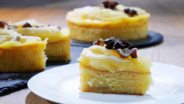 Тирольский пирог с грушей и запеченным кремом