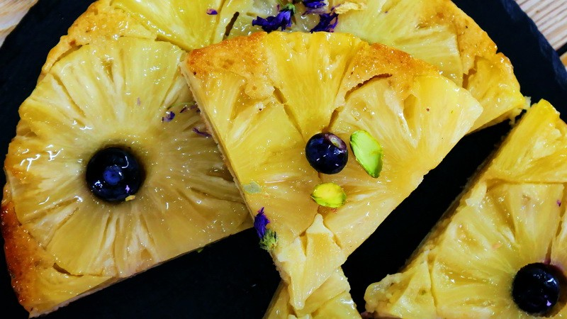 Пирог-перевертыш с ананасовыми кольцами
