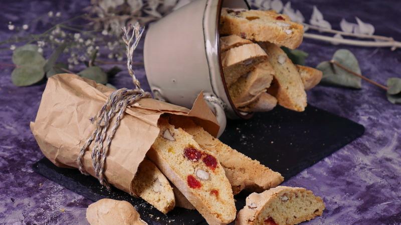 Кантуччи — сладкие итальянские сухарики